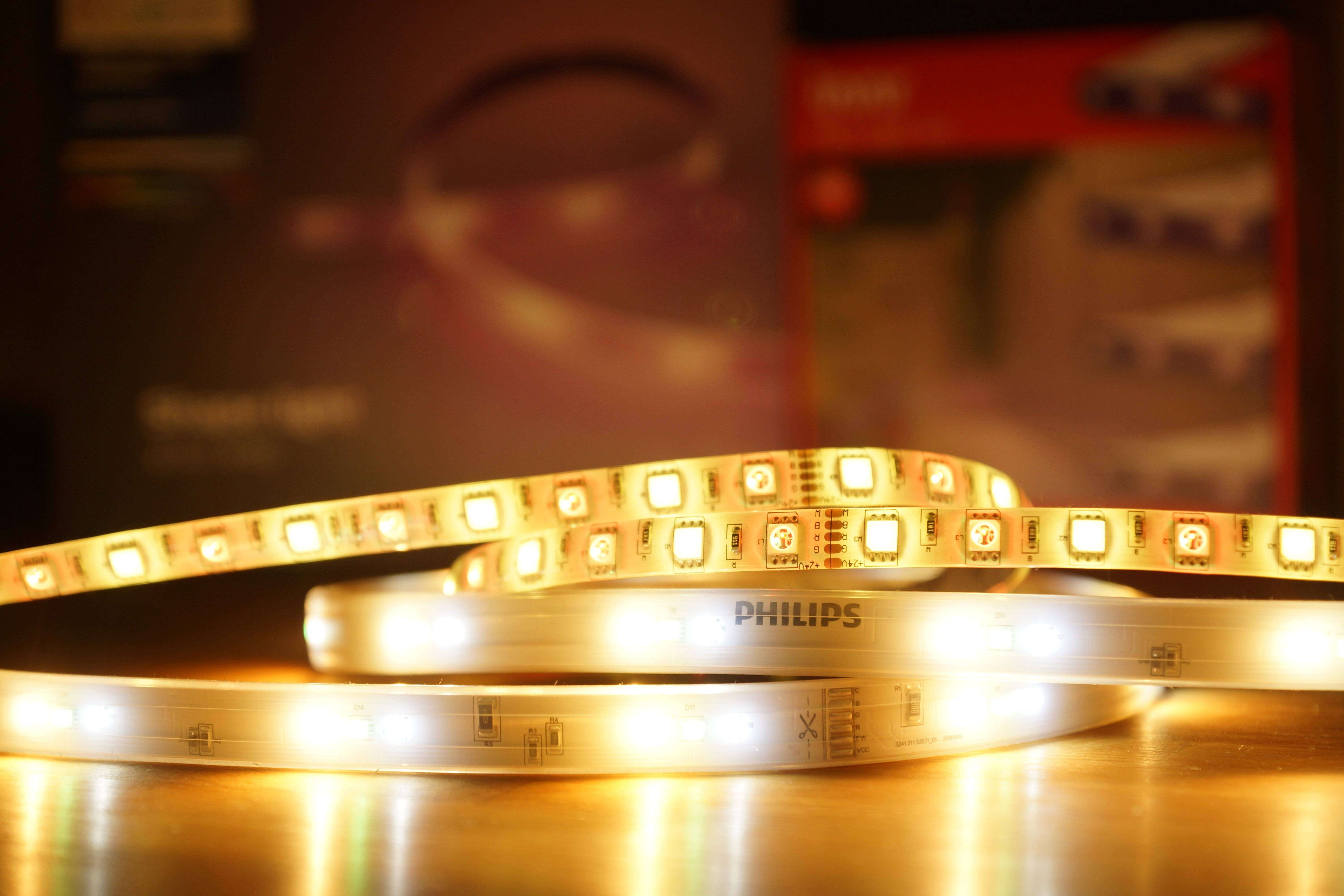 Günstige Alternative: Innr Flex Light FL 130C im Test - Vergleich mit Philips Hue Lightstrip+