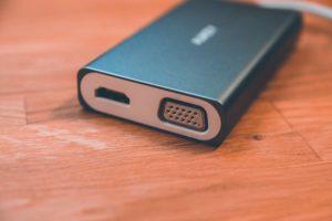 AUKEY USB C Hub - edler 8 in 1 Adapter im Aluminiumgehäuse sorgt für umfangreiceh Verbindungsmöglichkeiten 3