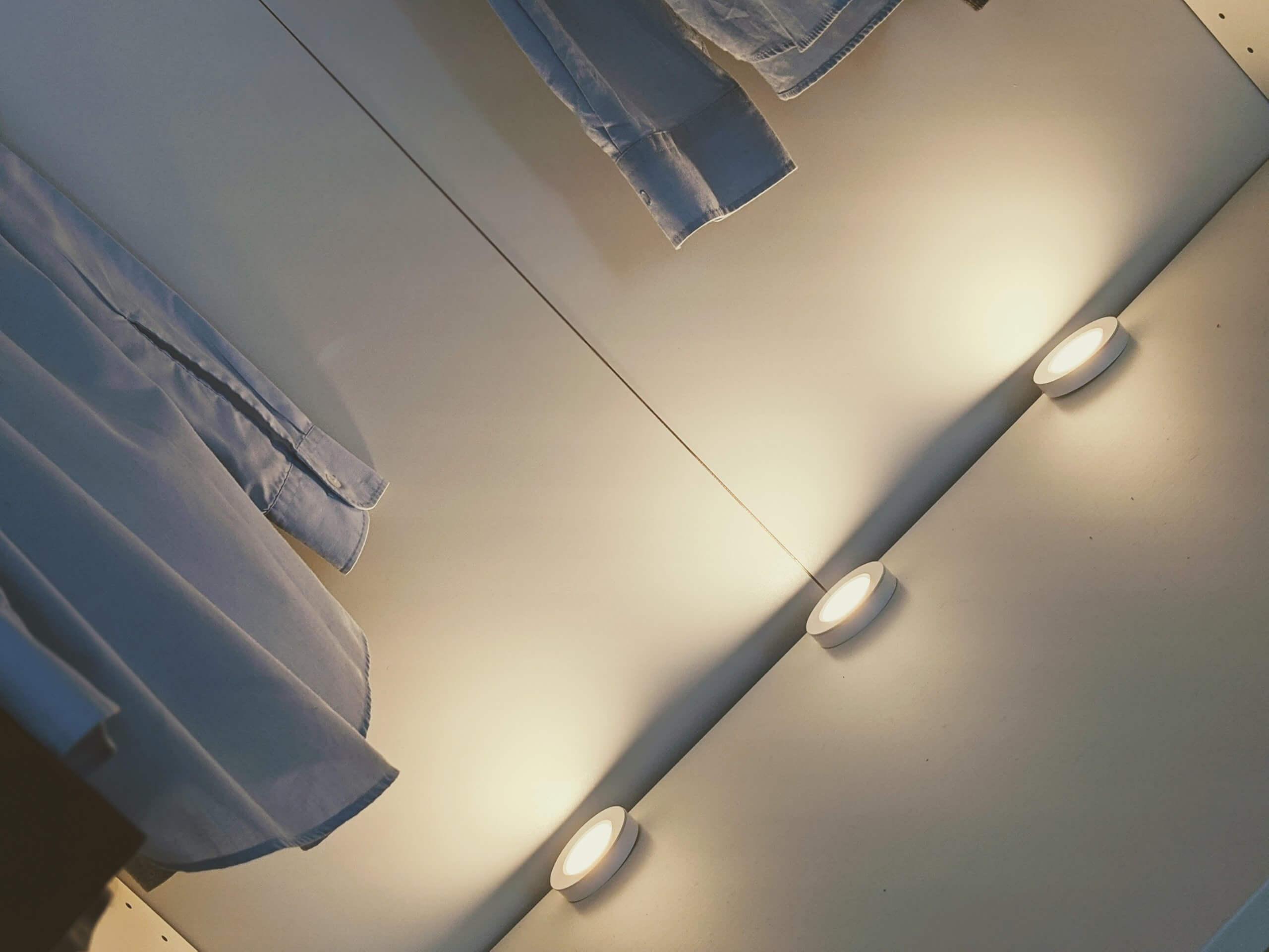 Innr Puck Lights - Philips Hue kompatible Spots für eine intelligente und flexible Schrankbeleuchtung 1